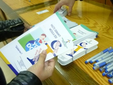 Carteles y folletos